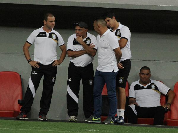 Comissão Técnica do Ceilândia atônita com o gol do Luziânia: deuses do futebol abusaram da crueldade