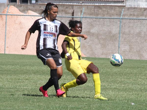 Nycole não fez, mas teve participação decisiva nos dois gols alvinegros