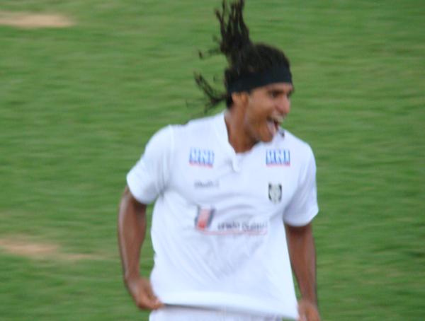 Daniel comemora gol contra a Ceilandense em 2010