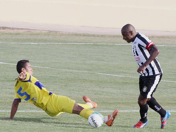 Baiano fez o primeiro gol alvinegro