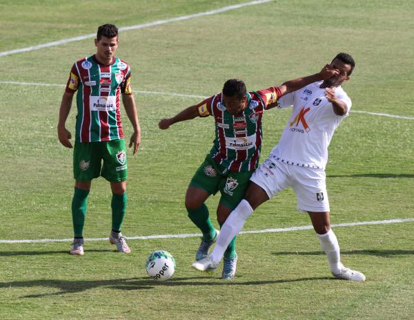 Fluminense-BA jogou com a bola: o Ceilândia saiu nocauteado