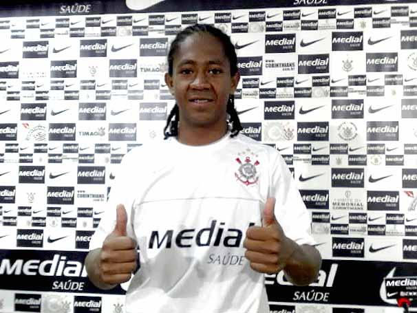 Almeida jogou no Corinthians em 2008
