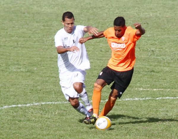 Alcione estreou pelo Ceilândia em fevereiro de 2012: vitória por 2 x 0 sobre o Legião
