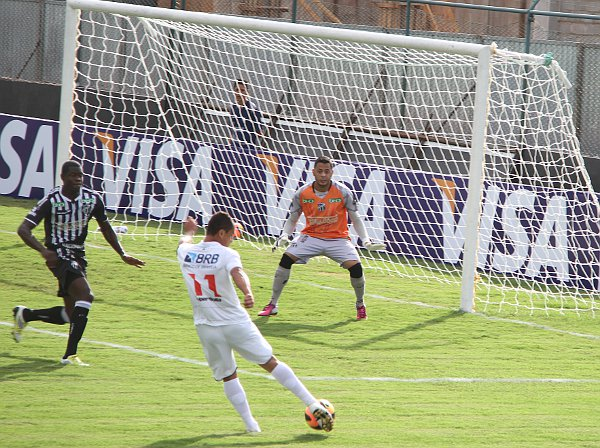 Cassius teve boa oportunidade em 2013 contra o Ceará: 0 x 0