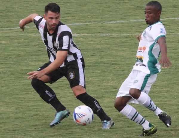Filipe Cirne esteve melhor que nos últimos jogos: tarefa difícil de dar equilíbrio e dinamismo ao time