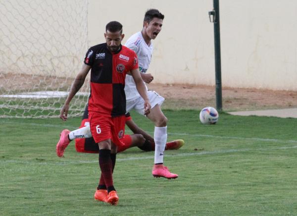 Contra Taguatinga e Brasília, Romarinho voltou a marcar: 4 jogos consecutivos fazendo gols