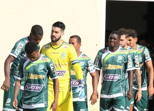 Luverdense usou time misto no jogo de ida... e venceu em pleno Regional