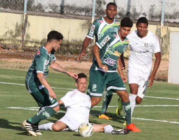 Na sequencia, Artur fez grande defesa, mas Neguete pegou o rebote e fez o gol da partida