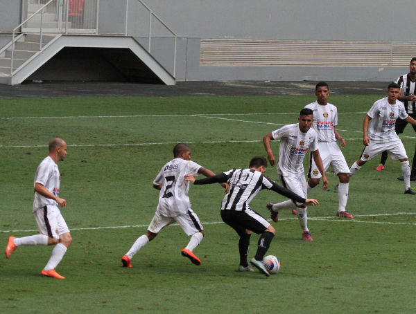 Filipe Cirne luta contra meio time do Sobradinho: algo está errado
