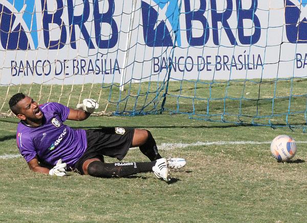Artur lamenta o gol sofrido: Ceilândia precisa vencer para manter a vantagem