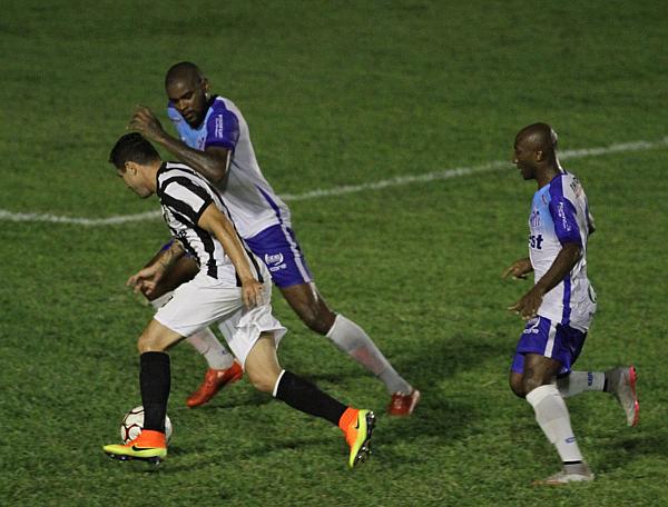 Formiga deu muito trabalho para a defesa do Sinop e foi premiado com o gol do empate