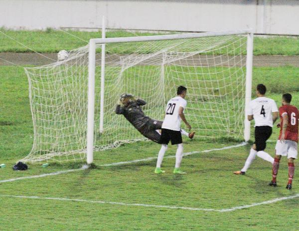 O terceiro gol foi de Humberto