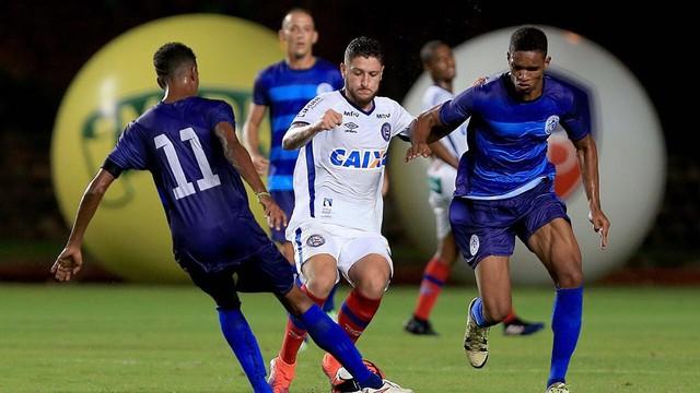 Junior atuou pelo Atlantico no campeonato Baiano: um gol em 10 jogos