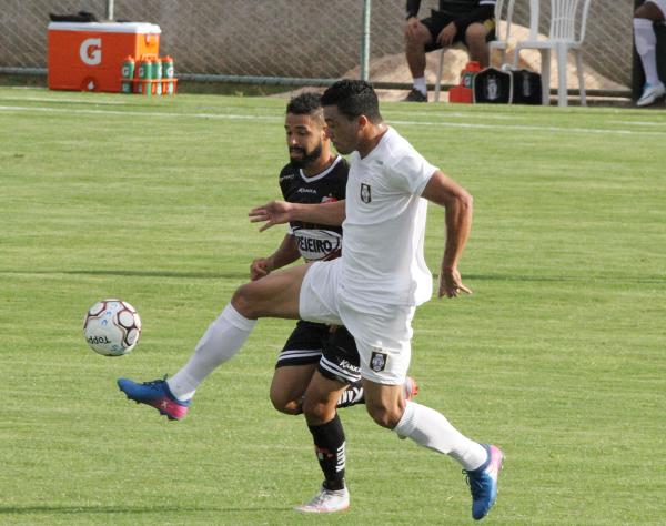 Ceilândia iniciou a campanha contra o Anápolis: jogo duro e vitória por 1 x 0