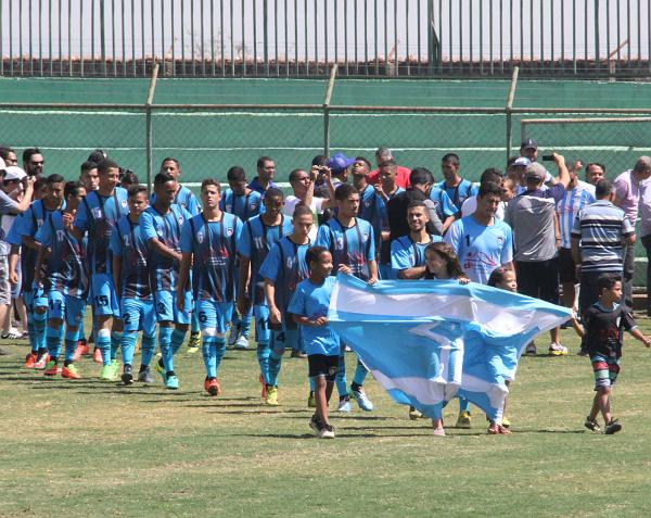 A mais bela bandeira: Ceilândia também campeão no masculino da Taça das Favelas