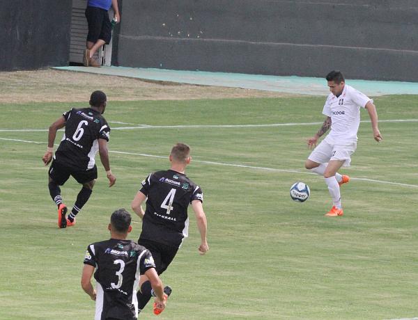 Formiga criou as melhores situações de gol do primeiro tempo. Depois, cansou