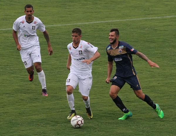 Elivelto voltou a marcar pelo Ceilândia diante do Real. Ceilândia vai precisar fazer gol(s) diante do Avaí