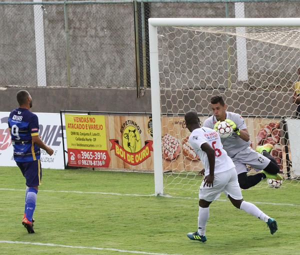 Luiz Fernando estreiou: Ceilândia parece bem servido de goleiros
