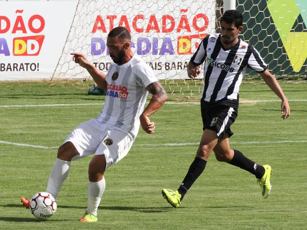 Dudu Lopes voltou ao time com direito a marcação especial