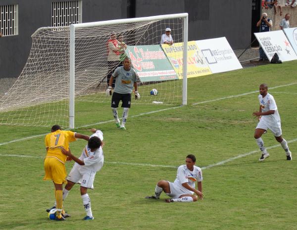 Jogos normalmente equilibrados: em 2009, Ceilândia fez péssima campanha, mas 1x1