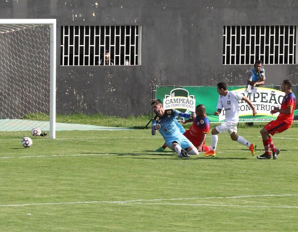 Bela triangulação: Didão, Ronan e Formiga fez Ceilândia 1 x 0