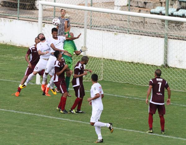 Thiago Silva estreou contra Santa Maria