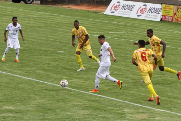 Formiga e Renan mudam a maneira de jogar do Ceilândia, mas o time precisa de alternativas no ataque