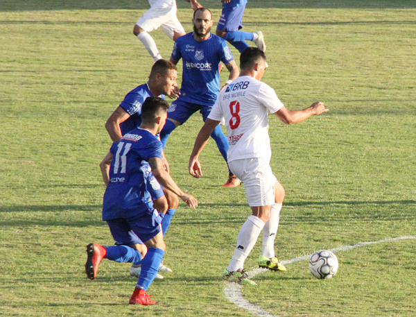 Emerson Martins retornou contra Sinop.