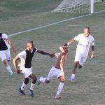 Warley fez o gol da vitória: muita comemoração